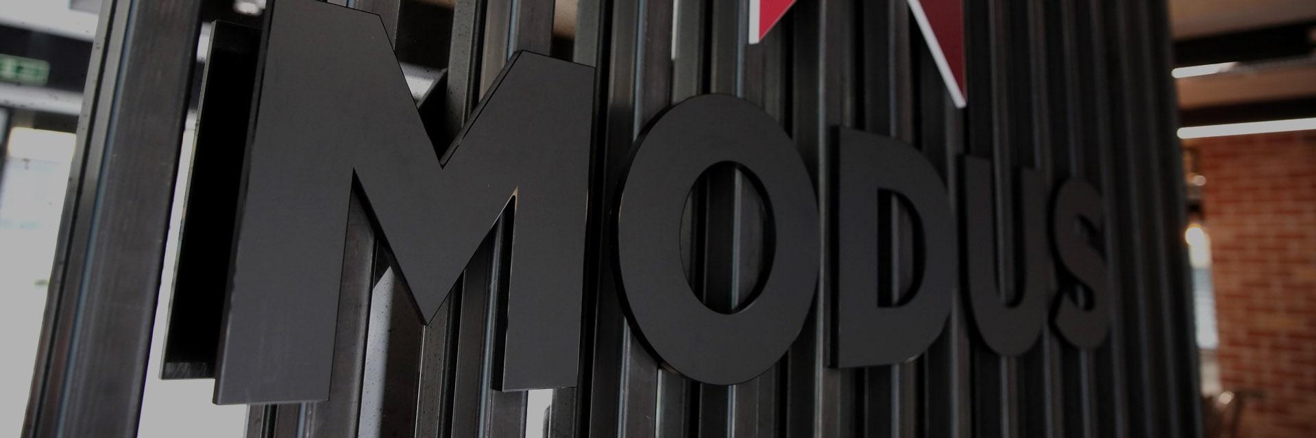 1920x640-modus-sign-min